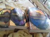 "Продам книги ""Шантарам "" , "" Тень горы ""(2 часть романа ""Шантарам "")"